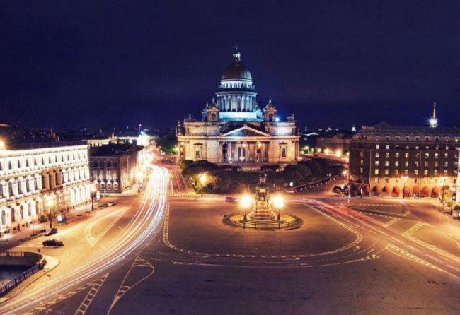 Где найти дешёвые билеты на самолёт в Санкт-Петербург?
