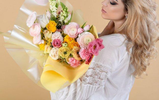 Доставка цветов к дому